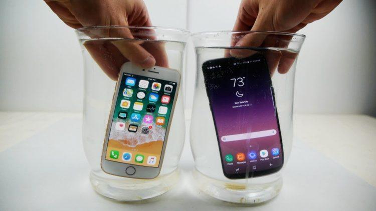 iPhone 8 et Android sous l'eau
